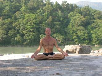 yoga-traditionnel-stage-lou-couture-shankara-santc3a9-naturelle-psychologie-philosophie-outils-santc3a9-relaxation-meditation-mantra-asana-hatha-detox-jus-7
